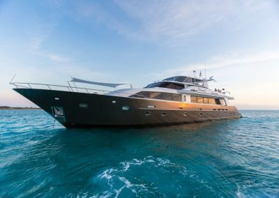 Motor Yacht Unbridled – 116ft / 35.36m