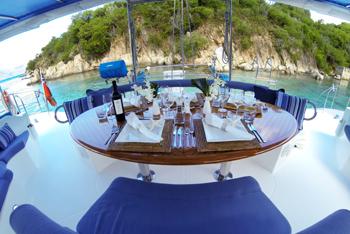 caribbean charter yacht pas de deux 1