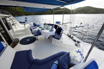 caribbean charter yacht pas de deux 15