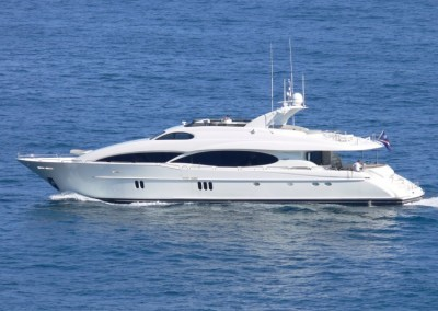 Crewed Yacht Charters in the Caribbean aboard Motor Yacht Le Reve 1