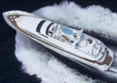 Crewed Yacht Charters in the Caribbean aboard Motor Yacht Le Reve 7