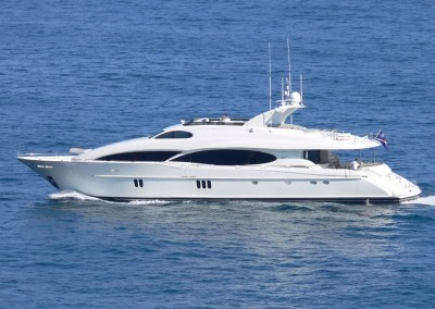 Crewed Yacht Charters in the Caribbean aboard Motor Yacht Le Reve