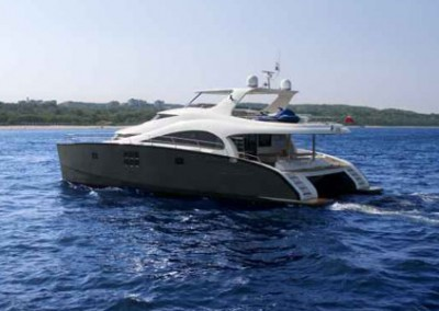 Luxury Yacht Sea Bass Available for charter in the Caribbean 12