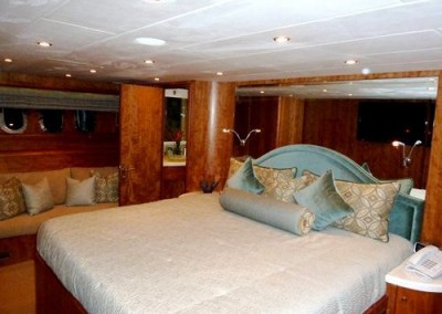 Moto Yacht GO is available for charter in the Caribbean 8
