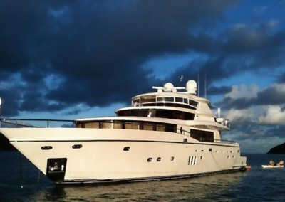 Moto Yacht GO is available for charter in the Caribbean banner
