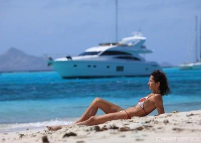 luxury yacht charter aboard motor yacht sorana 14