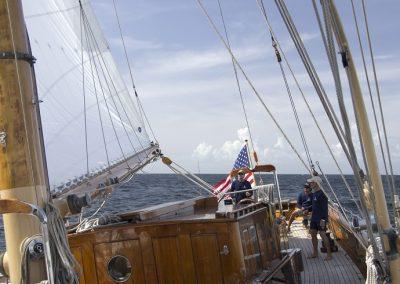 eros-crew-sailing