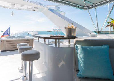 Motor-yacht-unbridled 12