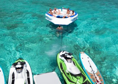 Motor-yacht-unbridled 41