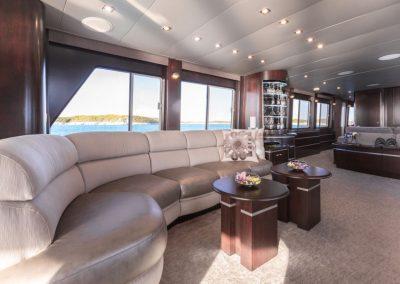 Motor-yacht-unbridled 46